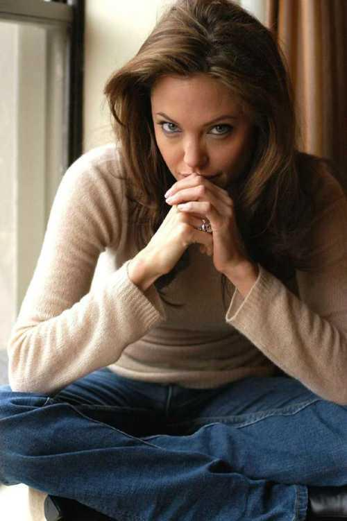 Angelina Jolie cute face look