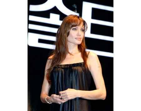 Angelina Jolie looking very gorgeous