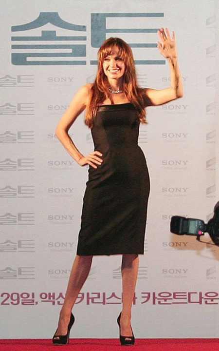 Angelina Jolie black color dress public photo