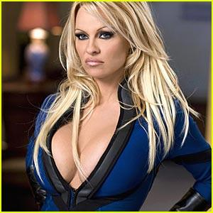 Pamela Anderson sexy cleavages hot face look