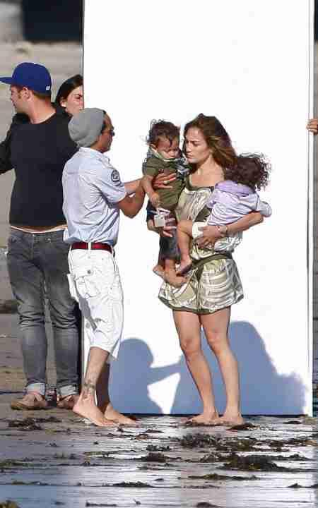 Jennifer Lopez with family photo