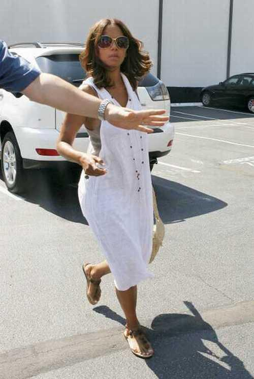 Halle Berry white dress picture