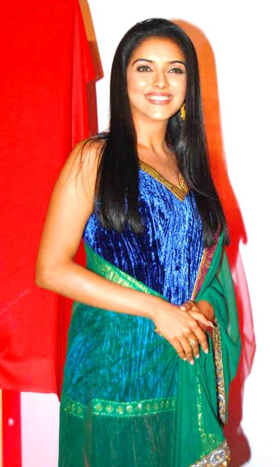 Asin Thottumkal with open smile