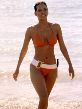 Hollywood actress halle berry bikini still on the beach