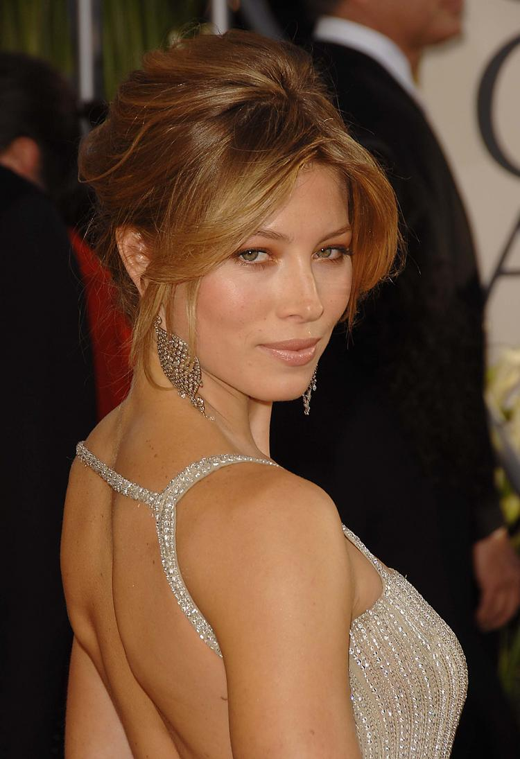 Jessica biel hot looks in party photo