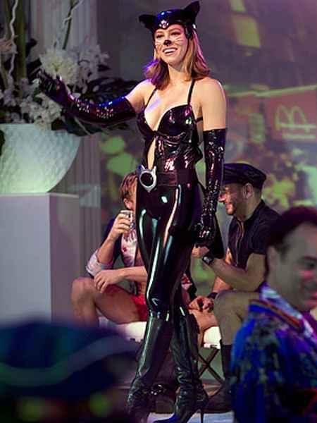 Jessica Biel sexy dress latest photo