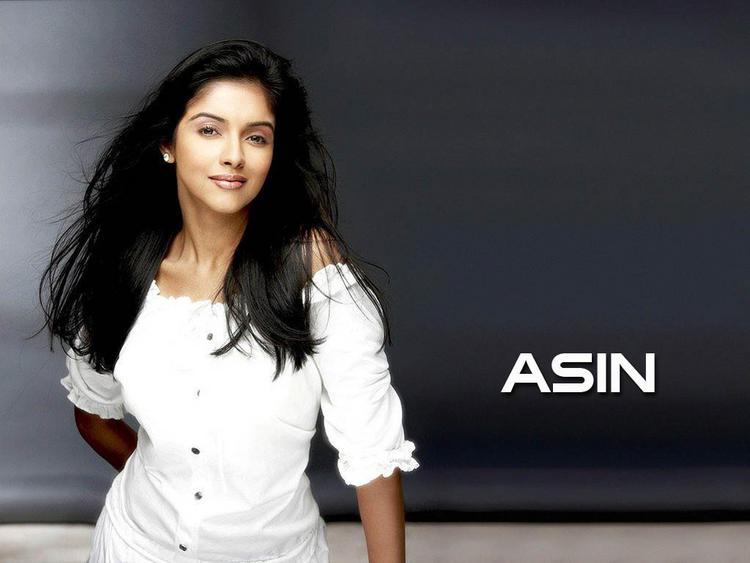 Cute actress Asin hot wallpapers
