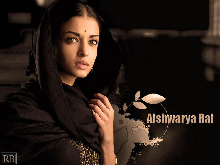Aishwarya Rai in Beautiful Black Dress
