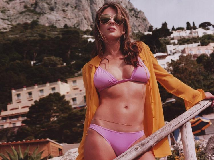Elizabeth hurley two pieces pictures