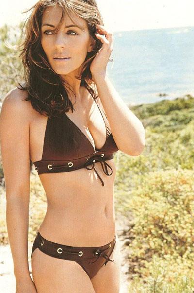 Elizabeth hurley bikini hot stills