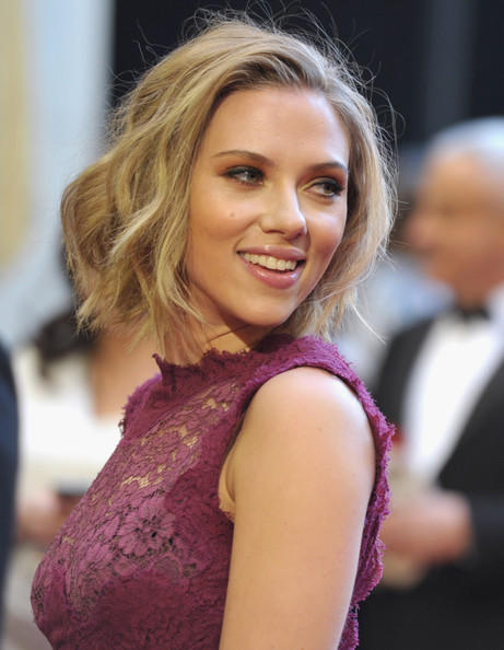 Scarlett Johansson hot cute hair style still