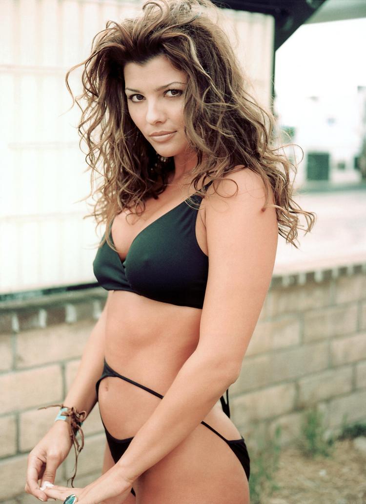 Ali landry black color bikini fress photo