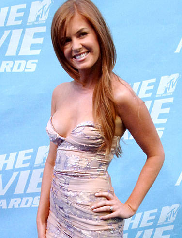 Actress isla fisher open boob hot pose photo