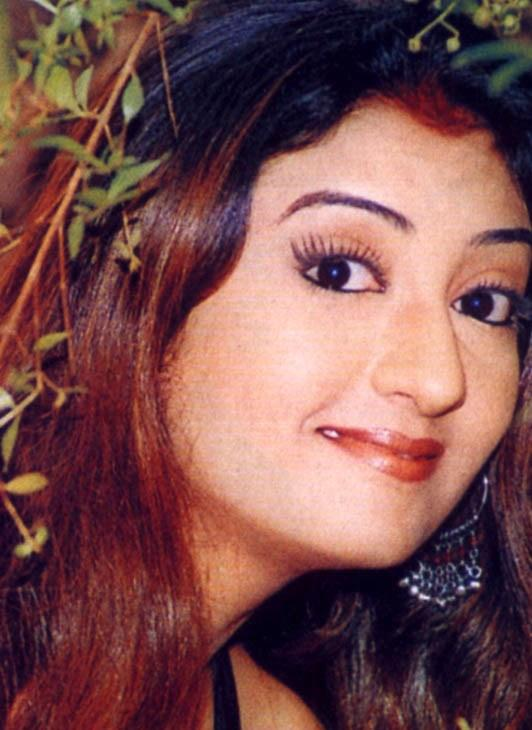 Cute look of Juhi Parmar