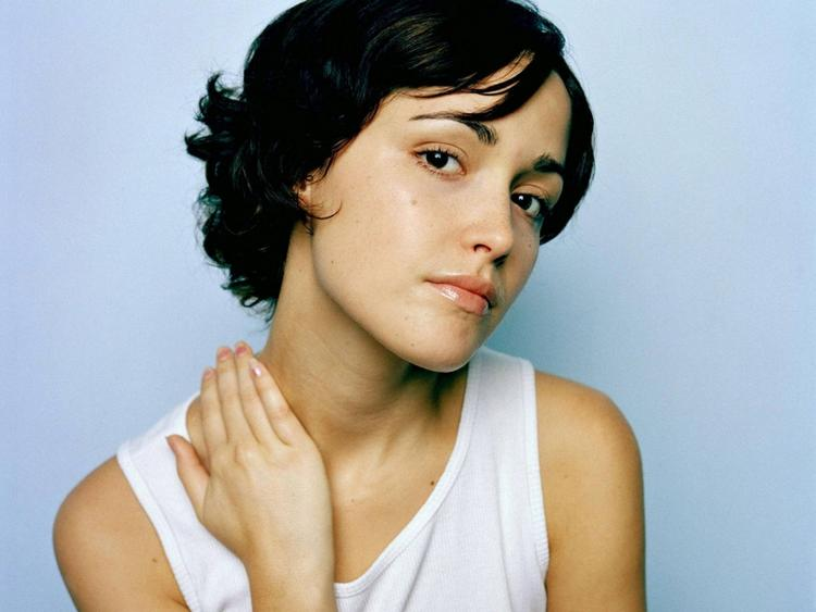 Rose byrne hot look hd picture