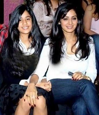 Sridevi kapoor with daughter jhanvi