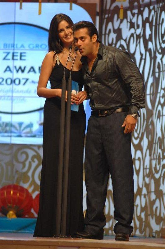Salman Khan with katrina kaif at Zee Cine Awards