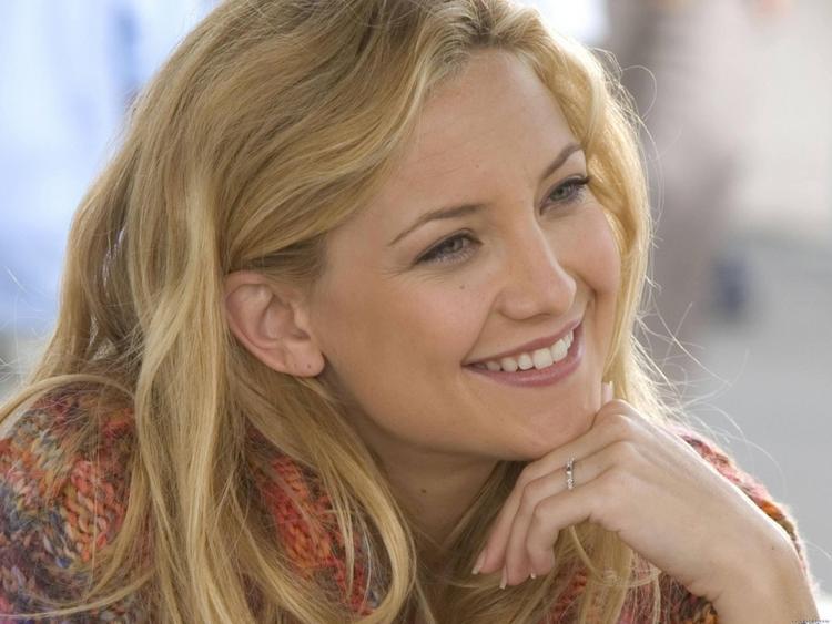 Kate Hudson cute smile face look