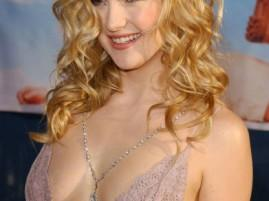 Kate Hudson sexy cleavages spicy photo