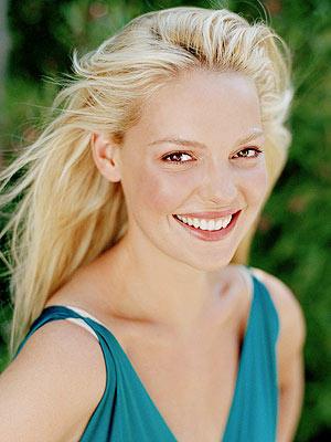 Katherine Heigl white hair beauty smile pic