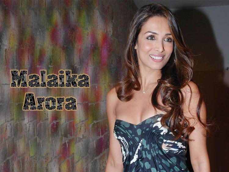Malaika Arora sweet smile wallpaper