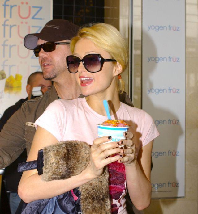 Hollywood hot actress Paris Hilton