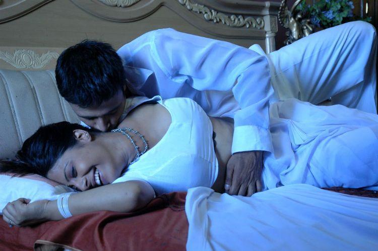 Sunakshi Hot  sexy kiss photo