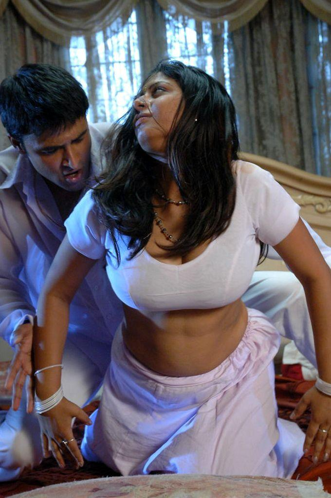 Sunakshi sexy blouse hot photo