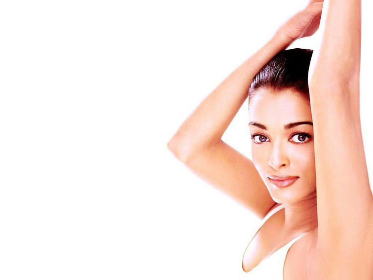 Aishwarya Rai In a Very Old Ad
