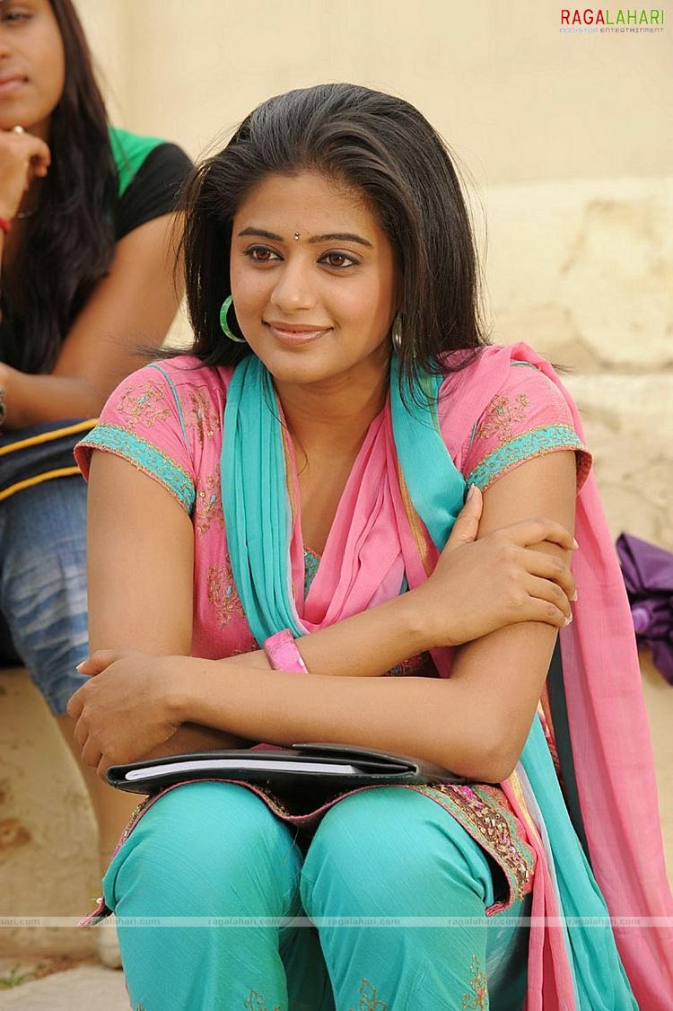 Amazing Priyamani salwar suit wallpaper