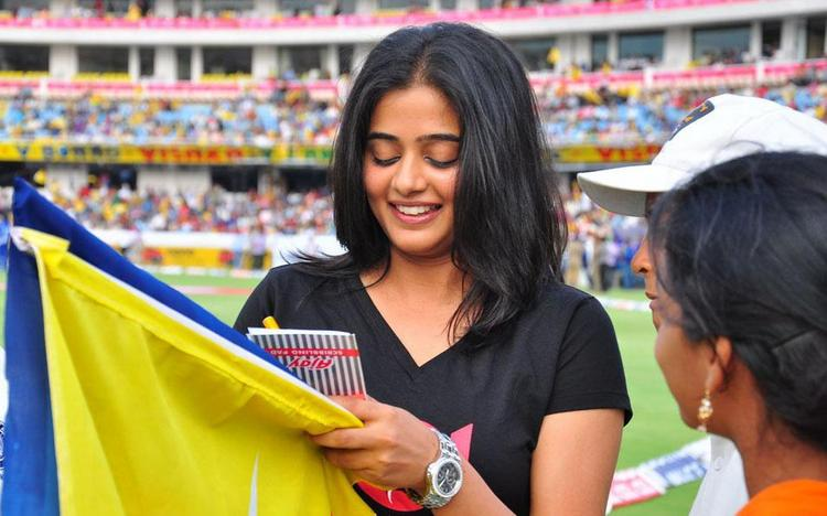 Gorgeous Priyamani At Celebrity Cricket League T Finals