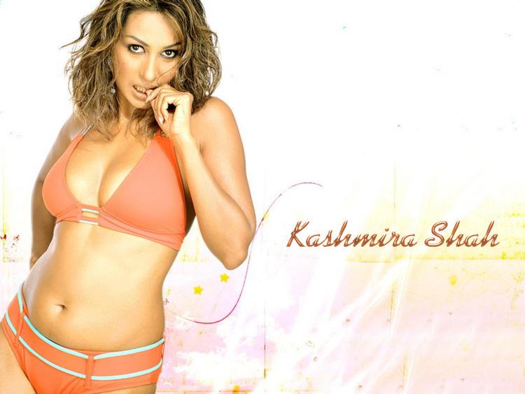 Kashmira Shah sexiest face wallpaper