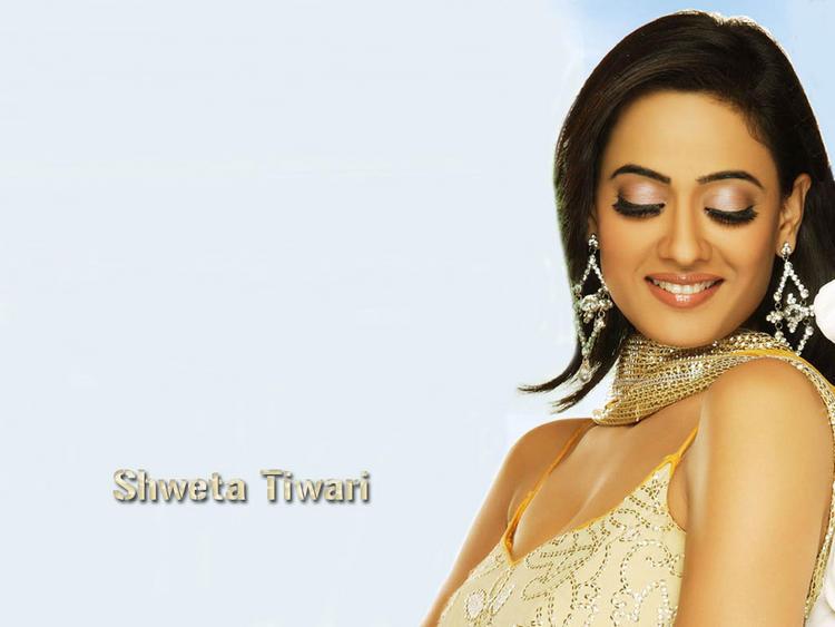 Shweta Tiwari cute hot look