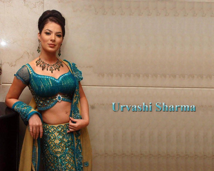 Urvashi Sharma sexy face look wallpaper