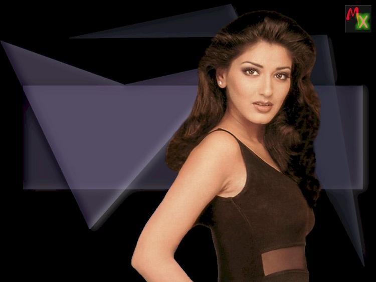 Sonali Bendre gorgeous look wallapper