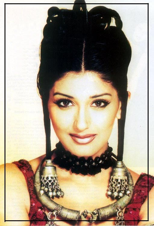 Sonali Bendre glamour wallpaper