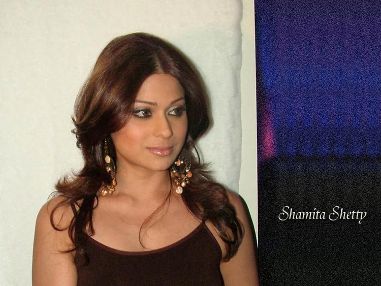Shamita Shetty hot face wallpaper