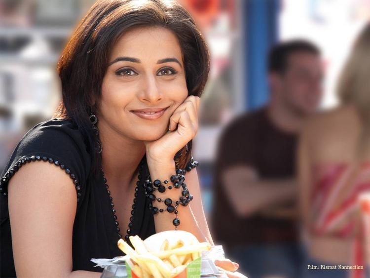 Vidya Balan with cute smile