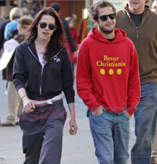 Kristen Stewart with boyfriend photo