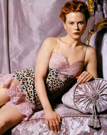 Nicole Kidman short dress killer look wallpaper