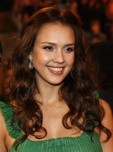 Jessica alba green color dress gorgeous photo