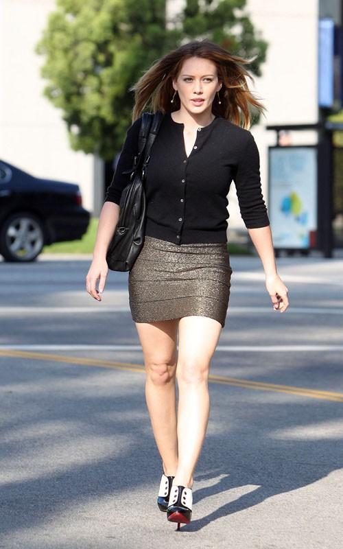 Cute Actress Hilary Duff  pics