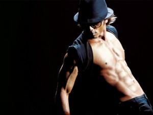 Shahid kapoor dancing sexy six packs still