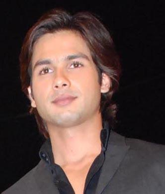 Shahid kapoor hair style awesome pics