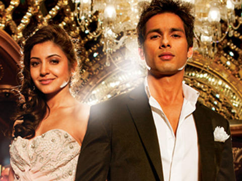 Shahid Kapoor and Anushka Sharma in Badmaash Company