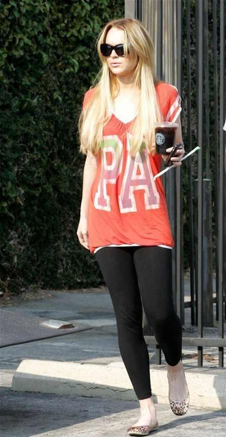 Lindsay Lohan full dress glorious pic
