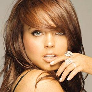 Lindsay Lohan smoky eyes and cute lips still