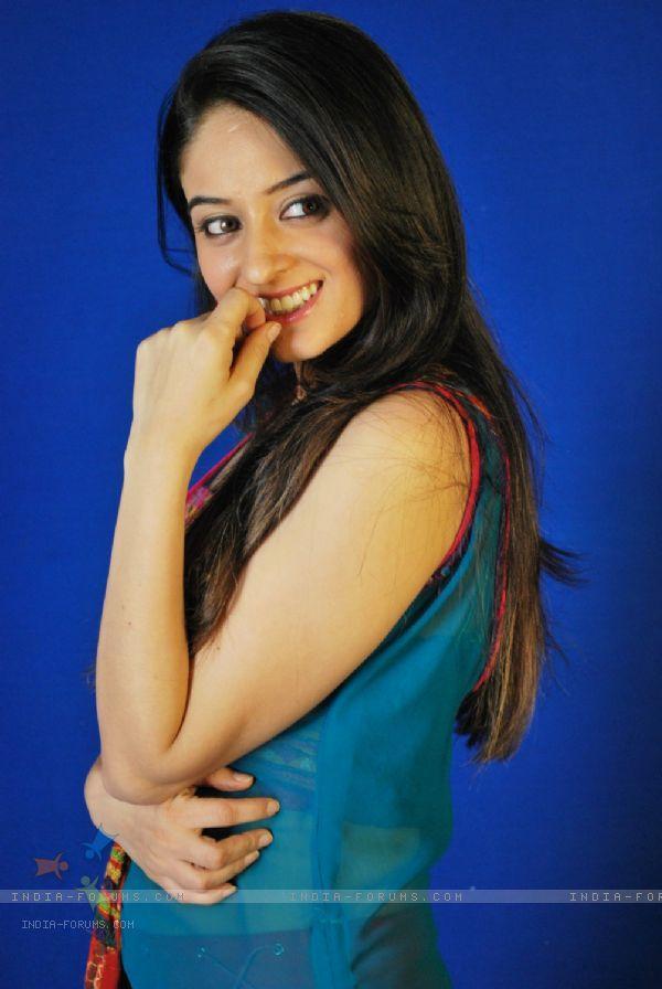 Hot Mahi Vij Cute Smile Face Look