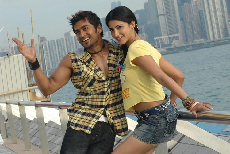 Shruthi Hassan with Surya in 7th Sense Photo