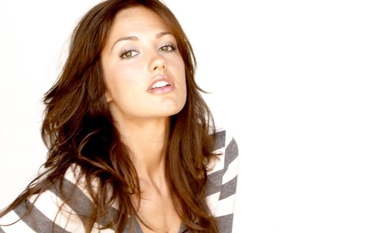 Sexiest Women Minka Kelly Pics